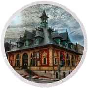 Customs House Museum Round Beach Towel