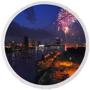 D12u470 Red White And Kaboom In Toledo Ohio Photo Round Beach Towel
