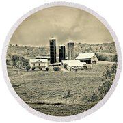 Dairy Farm Round Beach Towel