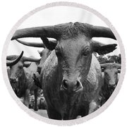 Dallas Texas Pioneer Plaza Longhorn Cattle Drive Bronze Sculpture Black And White Round Beach Towel by Shawn O'Brien