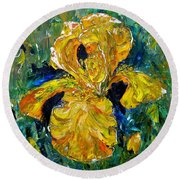 Dancing Yellow Iris Round Beach Towel