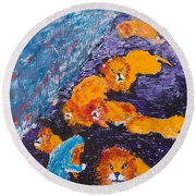 Daniel And The Lions Round Beach Towel