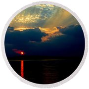 Round Beach Towel featuring the photograph Cloudy Sunset by James C Thomas