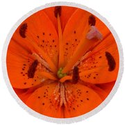 Daylily Heart Round Beach Towel