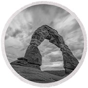 Delicate Arch Bw Round Beach Towel