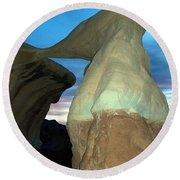 Devil's Garden Metate Arch 008 Round Beach Towel