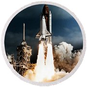 Discovery Hubble Launch Sts-31 Round Beach Towel