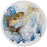 Dragonfly Hunter Round Beach Towel