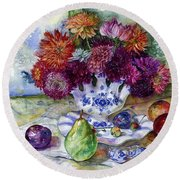 Dutch Dahlia Delights Round Beach Towel