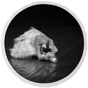 Dying Swan 4. Round Beach Towel