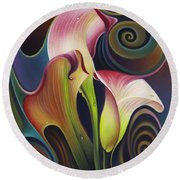 Dynamic Floral 4 Cala Lillies Round Beach Towel