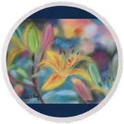 Early Arrival Lily Round Beach Towel