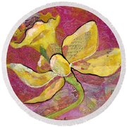 Early Spring Iv Daffodil Series Round Beach Towel