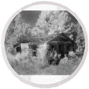 East Texas Cabin Round Beach Towel