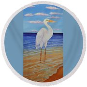 Eager Egret  Round Beach Towel