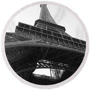 Eiffel Tower B/w Round Beach Towel