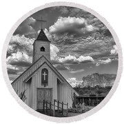 Elvis Presley Chapel At The Superstitions Round Beach Towel