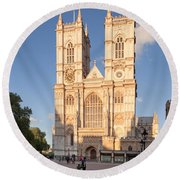 Facade Of A Cathedral, Westminster Round Beach Towel