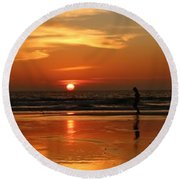 Family Reflections At Sunset - 4 Round Beach Towel