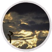 Father Holding Daughter Above His Head Along Hillside Silhouette Round Beach Towel
