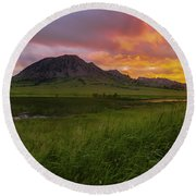 Fiery Sky Over Bear Butte Round Beach Towel