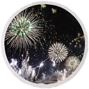 Round Beach Towel featuring the photograph Fireworks Over The Hudson River by Lilliana Mendez