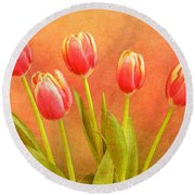 Five Tulips Round Beach Towel