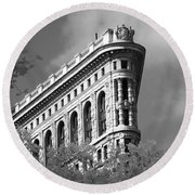 New York City - Flat Iron Prow Round Beach Towel