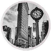 Flatiron Rush Round Beach Towel