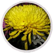 Yellow Queen. Beautiful Flowers Collection For Home Round Beach Towel