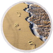 Footprints On Beach Round Beach Towel