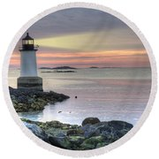 Fort Pickering Lighthouse At Sunrise Round Beach Towel by Juli Scalzi