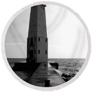 Frankfort Michigan Lighthouse Ll Round Beach Towel