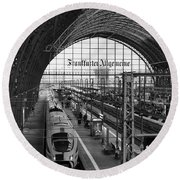 Frankfurt Bahnhof - Train Station Round Beach Towel