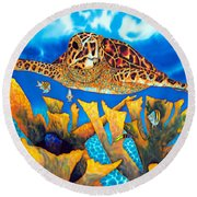 Friendly Hawksbill Sea Turtle Round Beach Towel