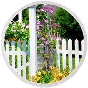 Garden With Picket Fence Round Beach Towel