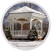 Gazebo At Olmsted Falls - 2 Round Beach Towel
