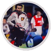 Giggs Goal V Arsenal Oil On Canvas Round Beach Towel