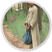 Girl With Bindle Round Beach Towel