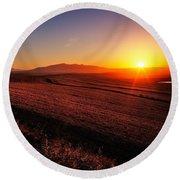 Golden Sunrise Over Farmland Round Beach Towel