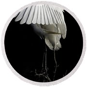 Great Egret Bowing Round Beach Towel
