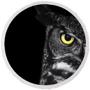 Great Horned Owl Photo Round Beach Towel