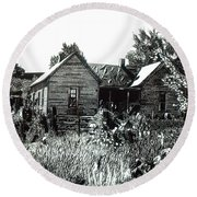 Greatgrandmother's House Round Beach Towel