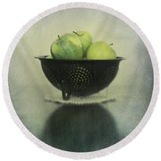 Green Apples In An Old Enamel Colander Round Beach Towel