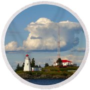 Green Point And Keepers Cottage Round Beach Towel