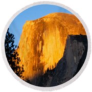 Half Dome Yosemite At Sunset Round Beach Towel