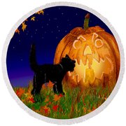 Halloween Black Cat Meets The Giant Pumpkin Round Beach Towel