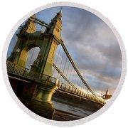 Hammersmith Bridge In London Round Beach Towel