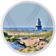 Harbor Of Refuge Lighthouse Round Beach Towel