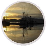 Round Beach Towel featuring the photograph Harbor Sunset by Cathy Mahnke